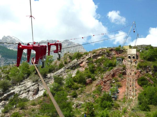 kurvenbahn 813f6093c747e5a8982b941d40c30c69 4 600x450 - Cableway with bends